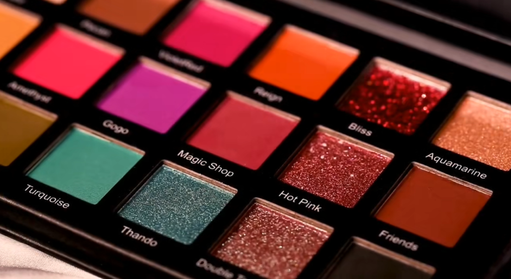 18 colors Private Label High pigment eyeshadow palette with small MOQ - ES0617